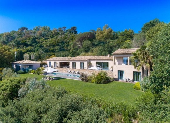 villa for rent st tropez la belle isnarde villa horizon property