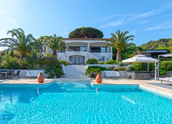 villa for rent sunset st tropez la belle isandre property front
