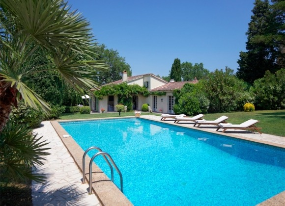 rent villa chesaine st tropez sainte anne property
