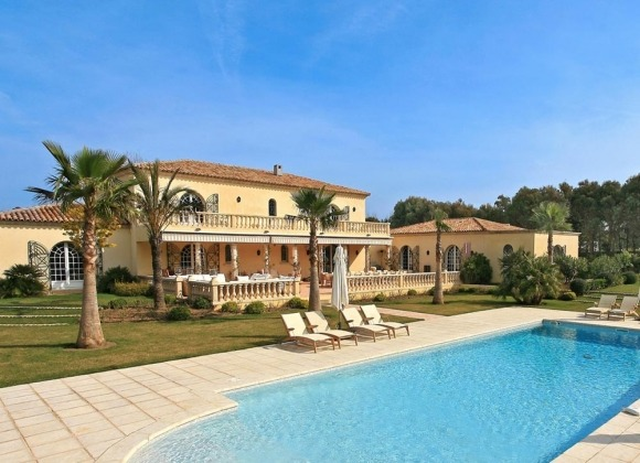 villa for let st tropez salins my way swimming pool