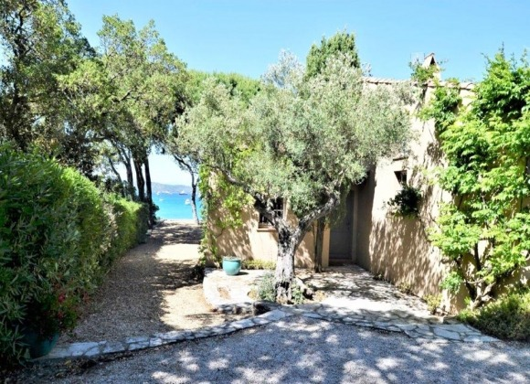 villa for rent ramatuelle pampelonne first row exterior property front