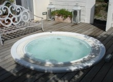 luxury villa for rent in saint tropez_jacuzzi
