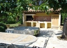 Rent Villa Bella Luxe Saint Tropez - outdoor kitchen and table