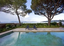 luxury villa for rent in st tropez_swimming pool