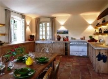 Rent Villa Sarah Grimaud - dinning room and kitchen
