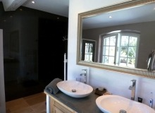 Villa Pamepelonne Beach - bathroom