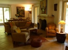 luxury villa for rent in st tropez_living room