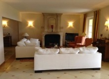 luxury villa for rent in Ramatuelle_living room