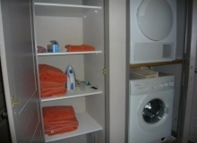 Villa Goyave in Gassin - laundry room