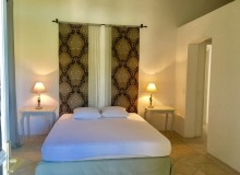 holiday rental villa elegance canoubiers bedroom