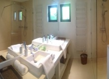 Villa Salins Modern in Saint Tropez - Bathroom