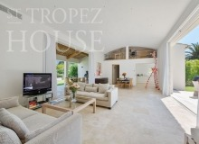 Luxury Villa Kalliste in Les Parcs de Saint Tropez - TV zone