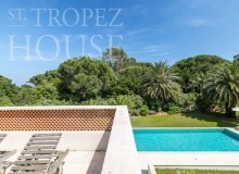 Luxury Villa Kalliste in Les Parcs de Saint Tropez - terrace and swimming pool