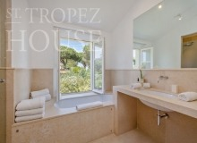 Luxury Villa Kalliste in Les Parcs de Saint Tropez - bathroom2