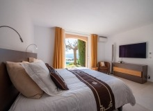 villa for rent st tropez cap tahiti bedroom