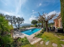 villa for rent st tropez cap tahiti swimming pool sea view