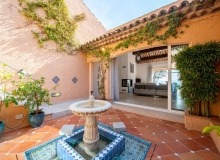 villa for rent st tropez cap tahiti inner patio