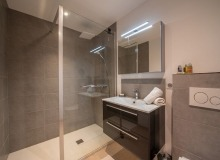 villa for rent st tropez cap tahiti bathroom