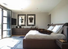 rent st tropez messardiere villa aimee master bedroom