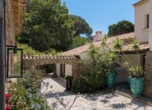 villa for let sainte anne st tropez aimee outdoors