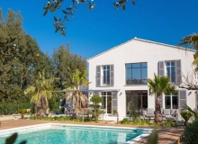 Luxury 4-bedroom villa Bella Vista close to St Tropez centre - main house