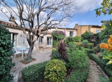 small house rent st tropez centre