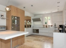 Rent Villa Elegance Canoubiers Saint Tropez Thaiti beach kitchen