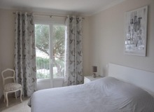Let villa Lauriers Saint Tropez Place des Lices bedroom