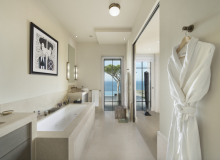 Rent Luxury Villa Kintaparc Saint Tropez Bathroom