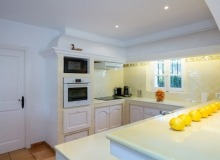 rent villa davpam pampelonne beach kitchen