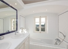holiday rental villa davpam pampelonne beach bathroom