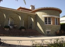 rent villa foustt st tropez center property