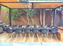 rent villa doumenc escalet outdoor dining area