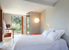 holiday rental villa madelaine tahiti st tropez bedroom