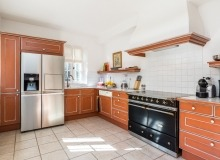 rent villa alex de la castelanne kitchen