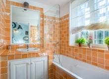 holiday rental villa emmanuelle de la castelanne bathroom