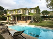 rent villa castel bouillabaisse swimming pool