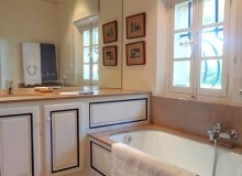 rent villa les parcs de saint tropez bathroom
