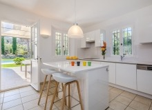 rent villa origan bouillabaisse kitchen