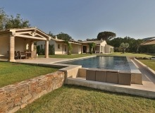 rent villa madonne ramatuelle outdoors