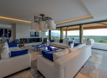 rent villa st tropez tahiti living room