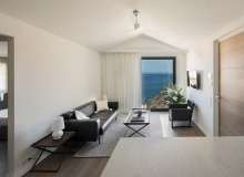 rent villa waters edge saint tropez room