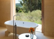 rent villa pureart les parcs de st tropez bedroom bathroom