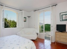 let villa chesaine st tropez sainte anne bedroom
