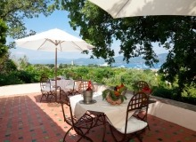 rent villa chesaine st tropez sainte anne terrace
