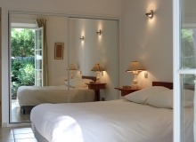 villa for rent st tropez domaine de la castellane villa hollanda bedroom