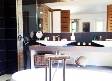 villa for rent st tropez route des plage villa lei mares bathroom