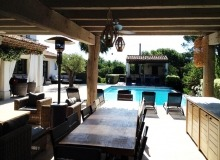 villa for let st tropez route des plage villa lei mares terrace outdoor dining area