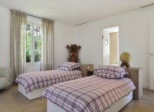villa for let les parcs de st tropez royal palm bedroom