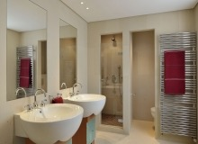 villa for let les parcs de st tropez royal palm bathroom